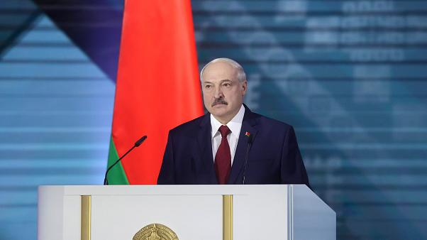 Lukashenco dijo que no abandonará el país ni el poder
